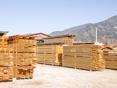 Lärchenholzstapel