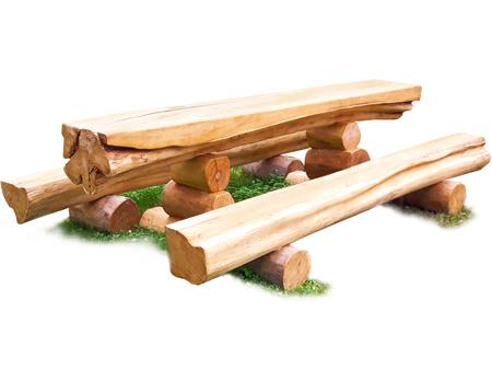 Sitzgarnitur aus Holzstämmen